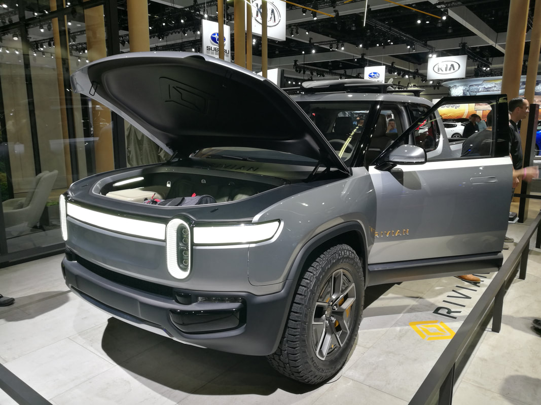 Rivian R1T electric truck on 2018 LA Auto Show on Makello Blog