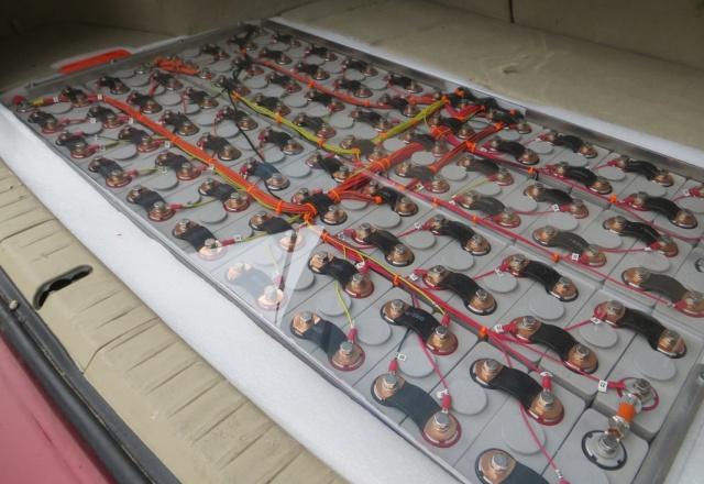 Wipomo 10kWh Li-Ion Plug-in Hybrid Prius upgrade.