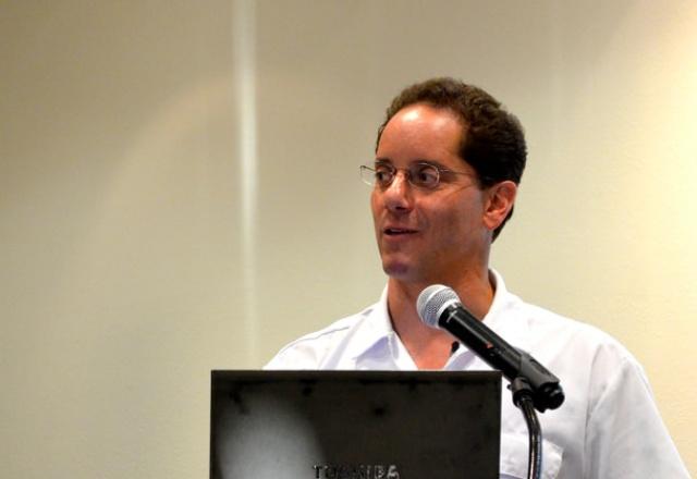 Makello CEO Charlie Johnson speaking